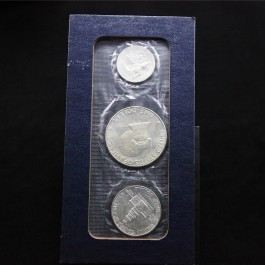 United States 1776-1976 In God We Trust  Silver 3 coin set